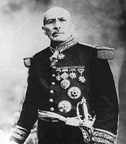 Victoriano Huerta toma la presidencia