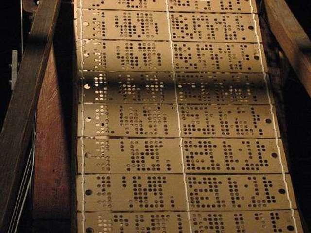 Primera programación de una máquina para coser