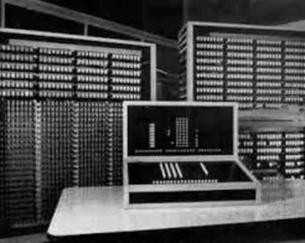 Creacion de la primera comutadora compltamente automática y programable