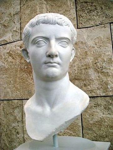 14 d.c.  Tiberio Emperador