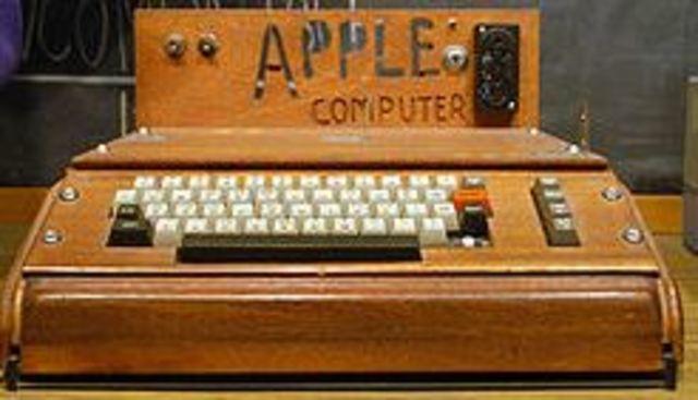 Se crea el Apple 1