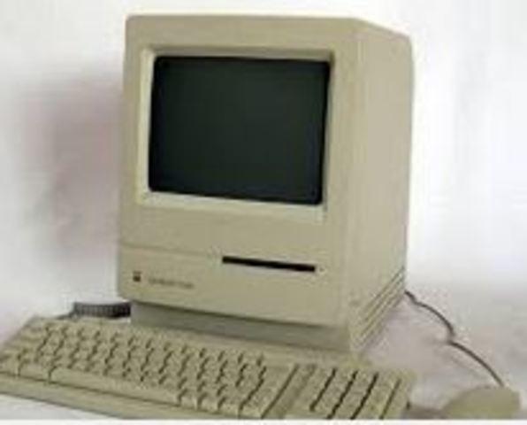 Apple crea el ordenador Macintosh