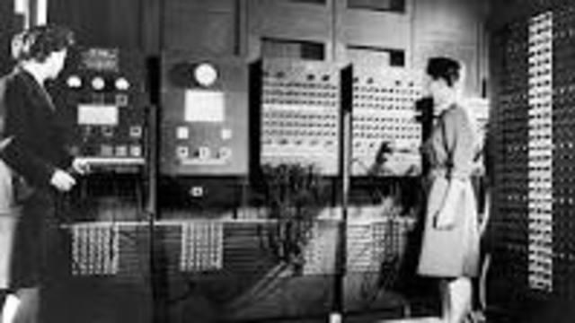 Se inventa ENIAC