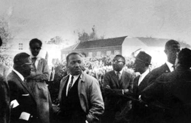 MLK visits Chicago to help with unrest