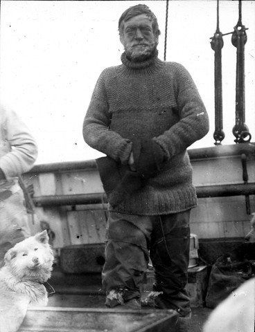 Ernest Shackleton starts his expedition to cross Antarctica