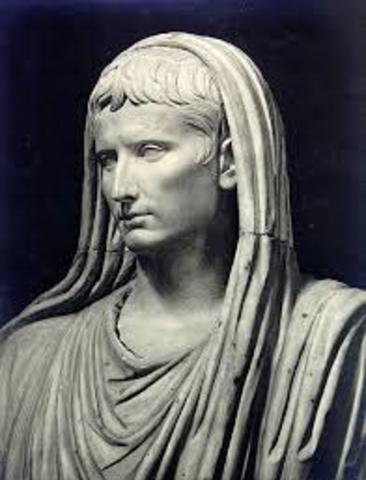 Augusto es proclamado pontifice máximo año: 12 a.c.
