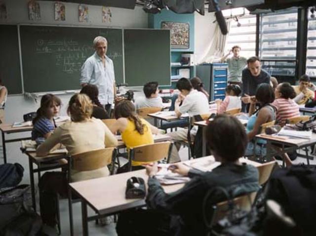 Factores que promovieron la educación a distancia