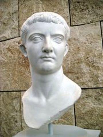 Tiberio sucedió a Augusto en 14 d.C.