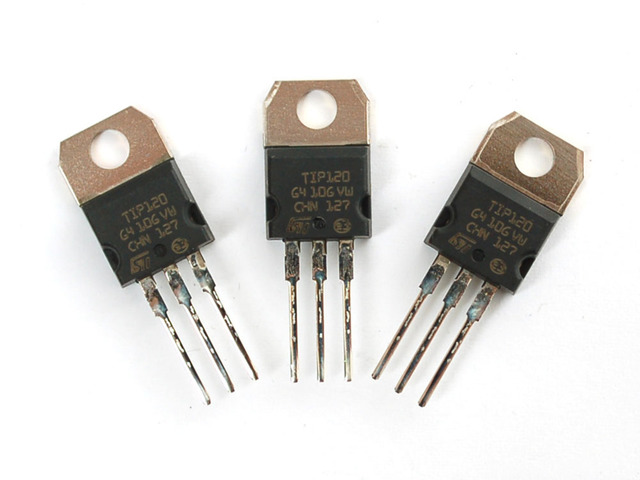 Computadores Usan Transistores