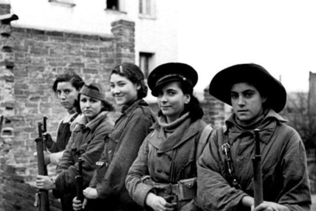Mujeres por primera vez a la guerra