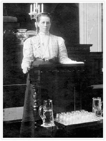 primera mujeres del parlamento