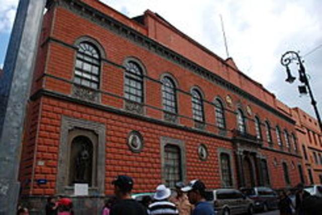 Se funda la Academia de San Carlos