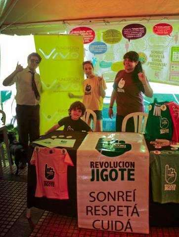 Revolución Jigote en el Kiosco Voluntario