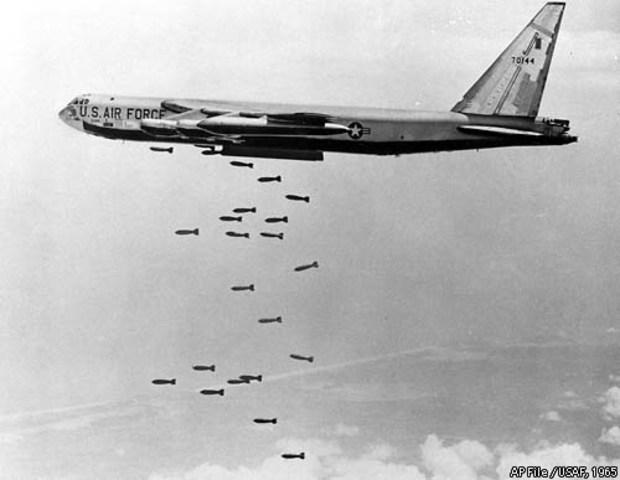 Nixon begins Secret Bombing of Cambodia