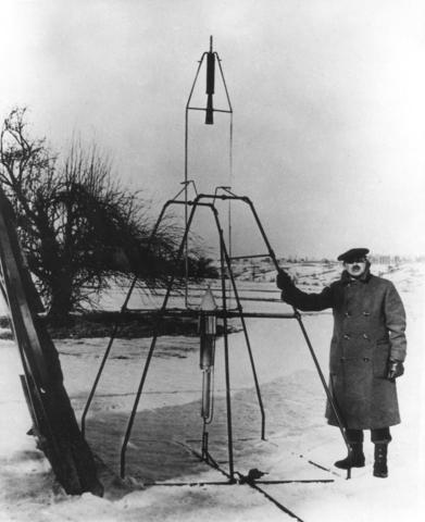 First Liquid Propelled Rocket