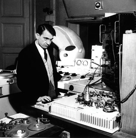 Pierre Schaeffer and Jacques Copeau found the Studio d'Essai de la Radiodiffusion Nationale