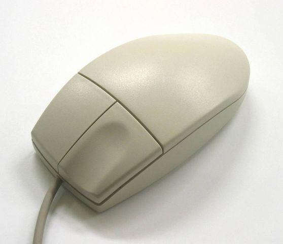 Первая двухкнопочная мышь