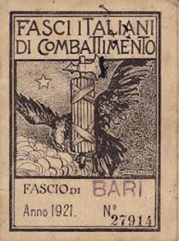 Benito Mussolini fonda i Fasci italiani di combattimento