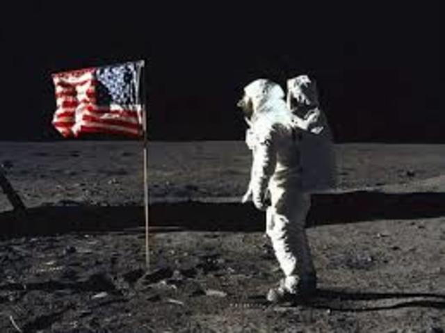 Primer hombre que pisó la Luna