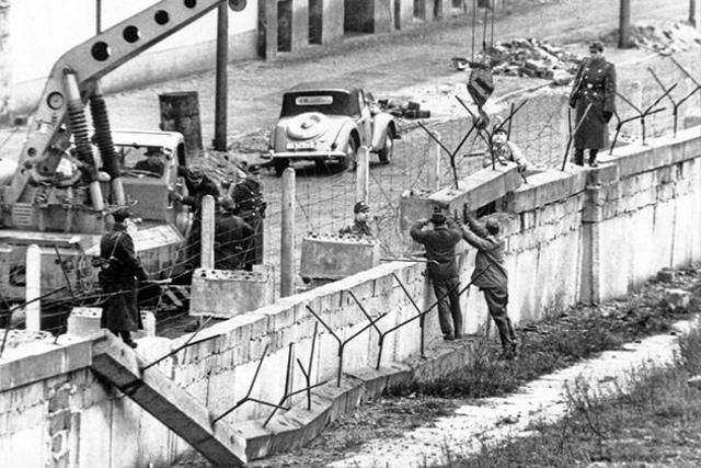 Berlinmurens opførsel