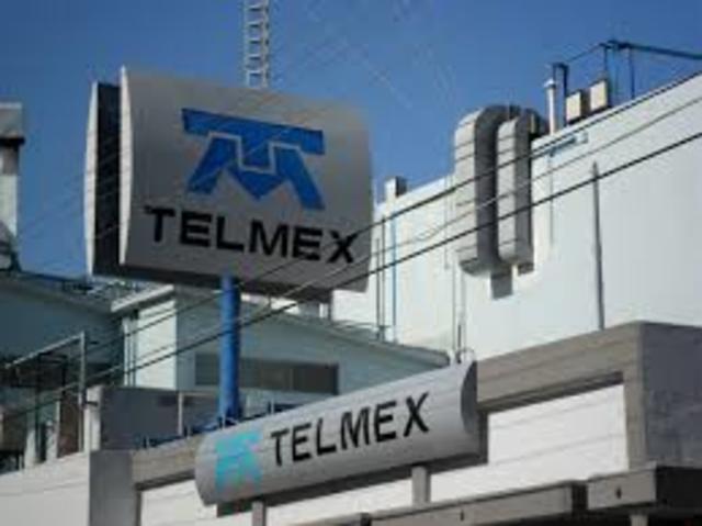 Se privatiza TELMEX.