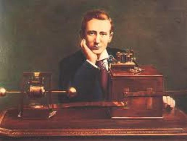 Guillermo Marconi transmite la primera señal de radio eléctrica intercontinental por aire a través del Océano Atlántico