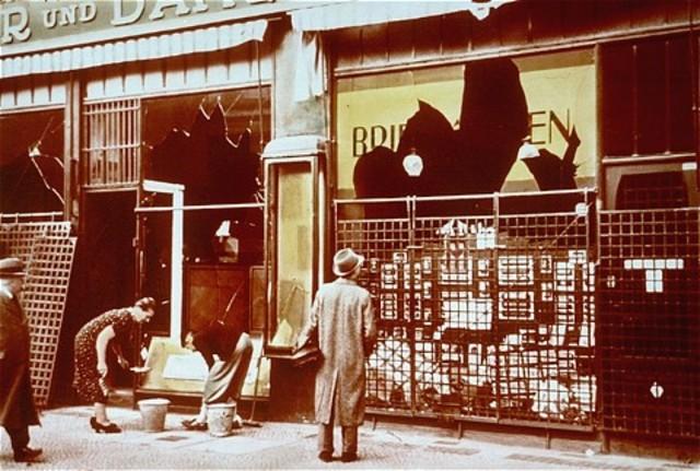 Le Pogrom : une violence exercée contre les juifs se met en place.
