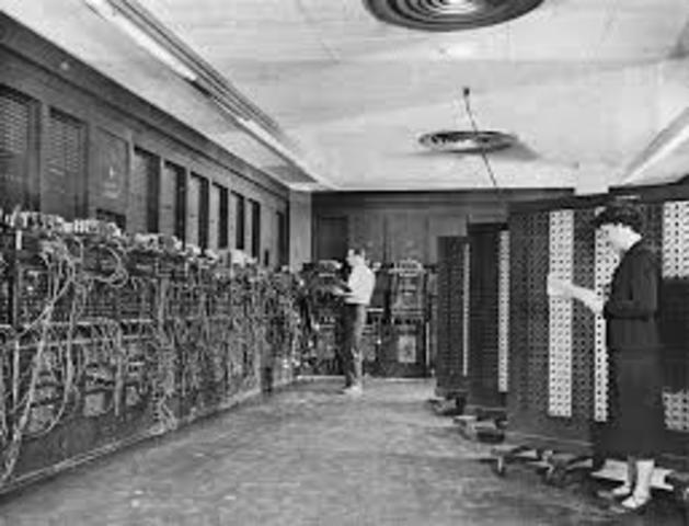 """Primer ordenador electrónico """"ENIAC""""."""