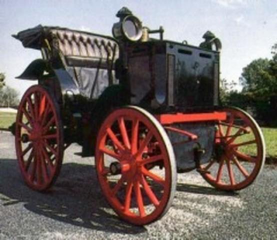 Primer automovil con accionamiento por ruedas de friccion