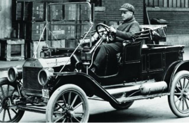 El primer automovil en Mexico