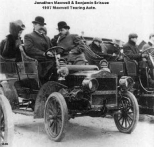 Primer automovil con frenos en las 4 ruedas