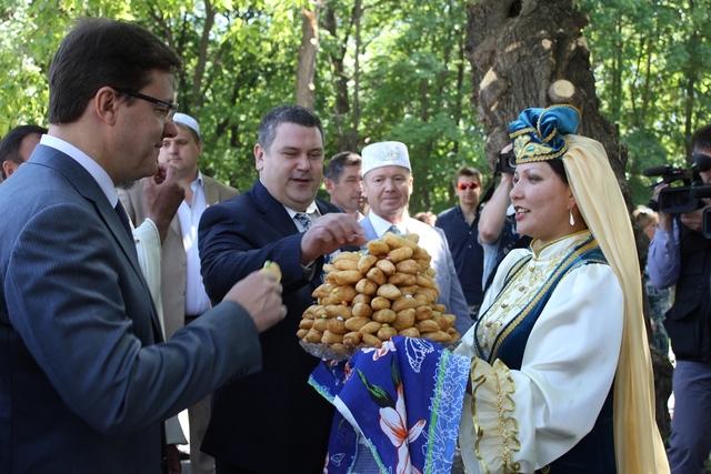 Традиционный татарский праздник «Сабантуй» -  парк культуры и отдыха им. Ю.. Гагарина, Самара – 2013 год