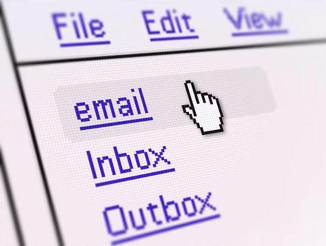 Primer prgrama de correo electrónico