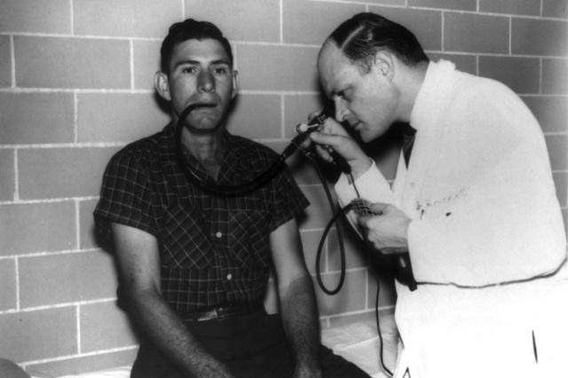 Primera aplicación real de la Fibra Óptica. Endoscopia.