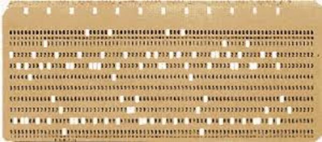 Los datos se introducen en el ordenador utilizando tarjetas perforadoras