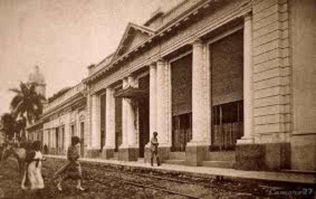 Fundación del Banco Internacional de El Salvador.