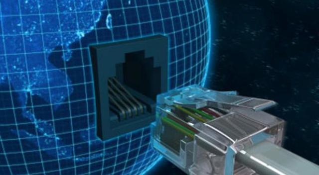 ARPANET se separa de la red militar y nace Internet.