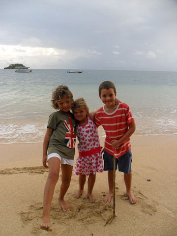 survived a cyclone when i go to Malolo in Figi for a holiday