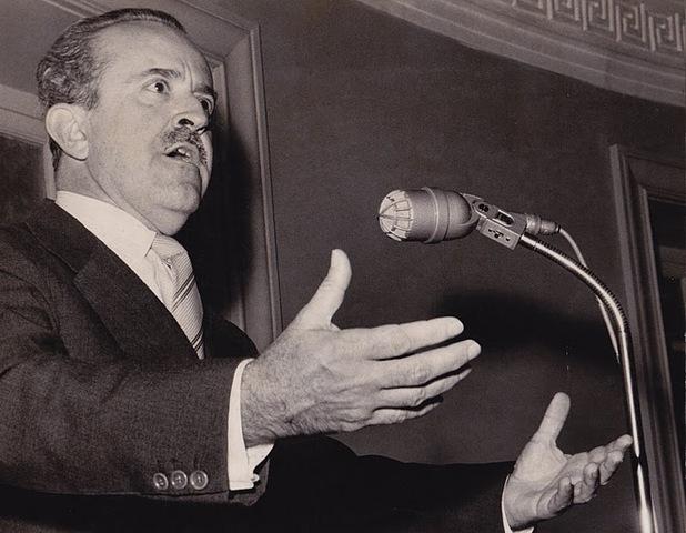 Guillermo león valencia es elegido presidente, del frente nacional. (1961-1965)