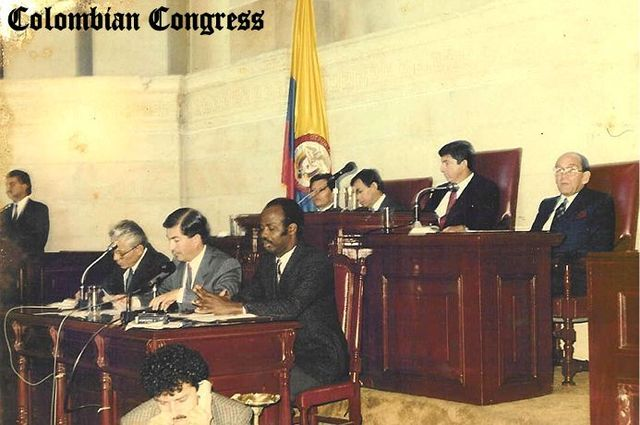 Instalación de la asamblea constituyente con 70 miembros elegidos popularmente (1991-1995)