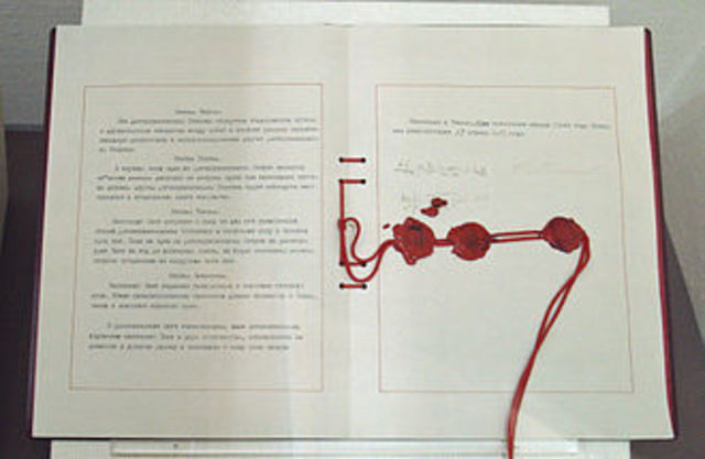 Japan signs the Non-Agression Pact with the Soviet Union