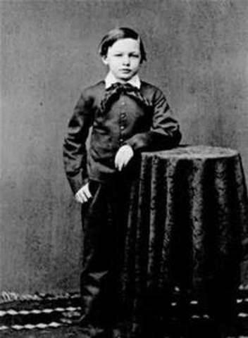 Lincoln's son William is born