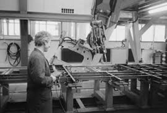 Se impone el uso de robots industriales