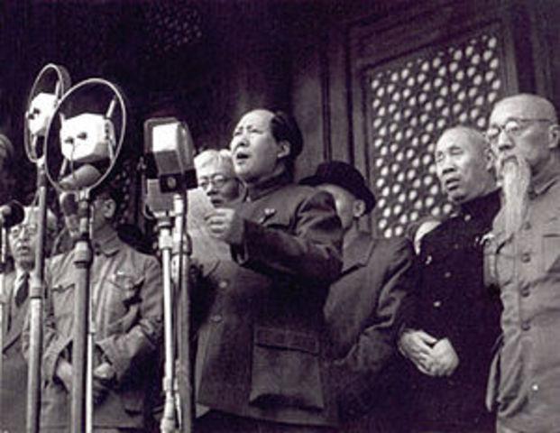 SOC Triunfa en China el Ejercito Popular de Liberación, liderado por Tsé Tung y se establece la República Popular China.