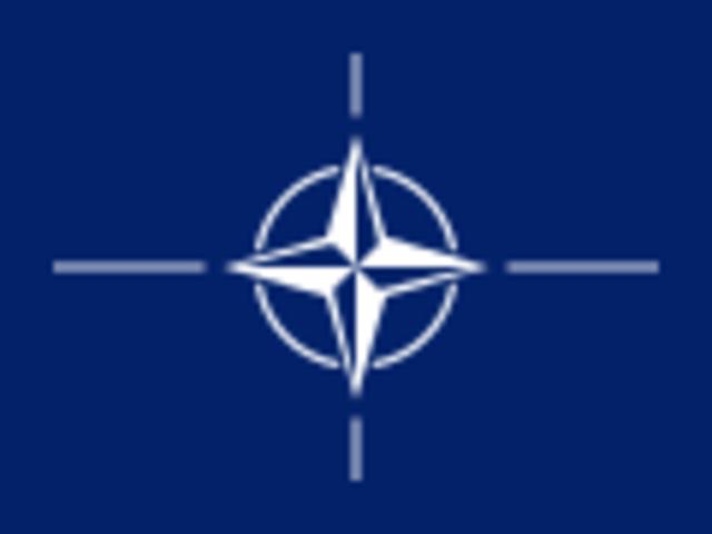Se constituye en Washintong la Organización del Tratado del Atlántico Norte(OTAN).