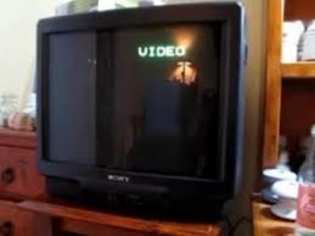 FAMILIAR, Primera Televisión