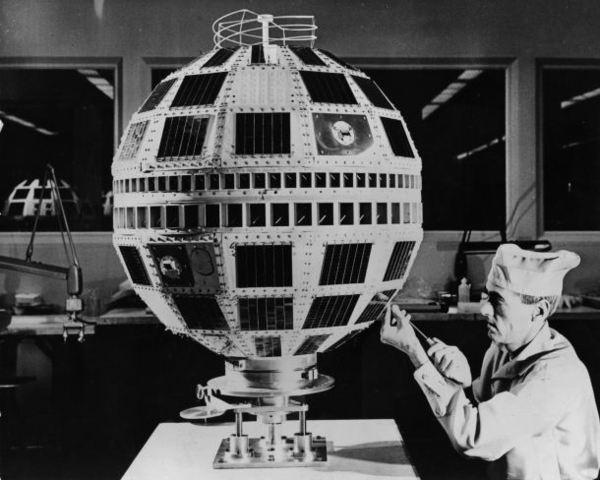 El primer satélite lanzado desde Telecomunicaciones
