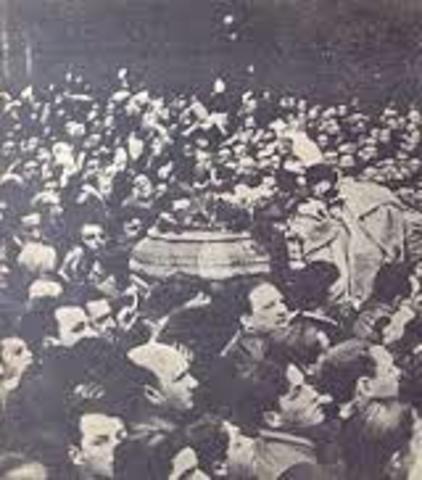 POL. Muere el presidente Hipólito Yrigoyen.
