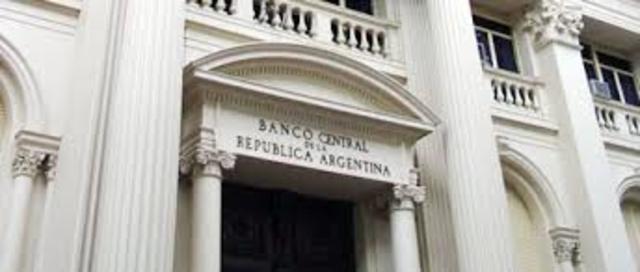POL. Se sanciona la ley que establece la creación del banco central de la republica Argentina.