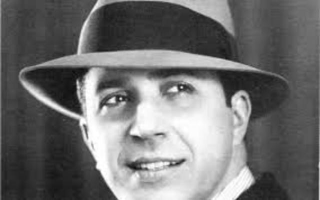 CUL. Muere en un accidente de aéreo Carlos Gardel